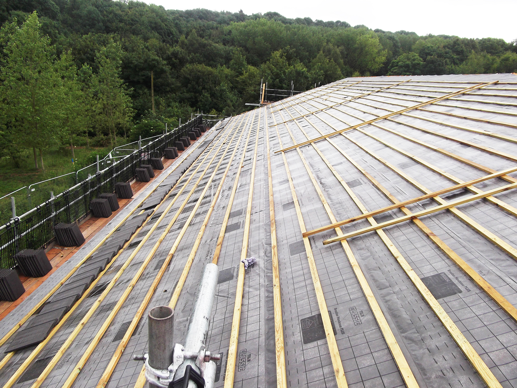 Underlay and battens